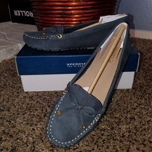 Sperry Shoes - Womens Sperry TopSider Size 9